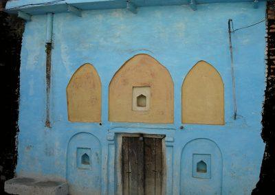 25-blue-house